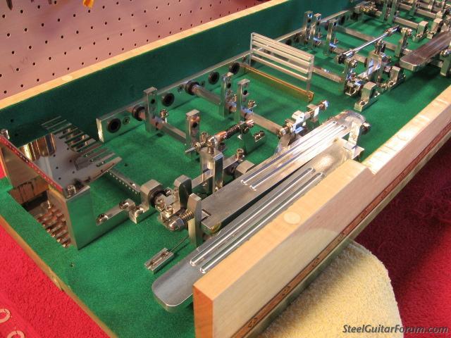 Fabriquer sa psg 2719_Green_Guitar_assembled_003_2