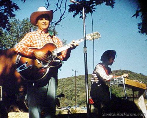 Bigsby encore 939_marion_hall_and_merle_travis_in_1955_1