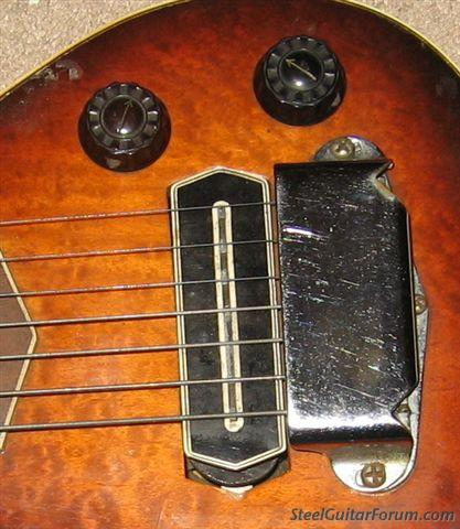 Modeles Gibson lap steel 3302_GIBSON_LAP_PICK_UP_1