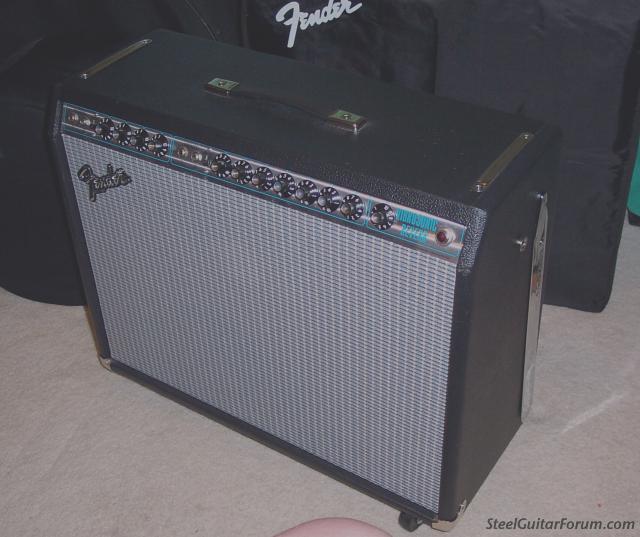 Gallerie Amplis Fender & Clones 1908_vibrosonic_front_1