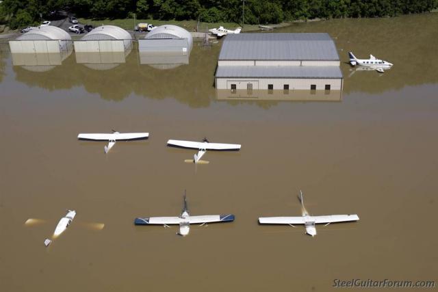 Inondations a Nashville 3667_nashville_planesl_1