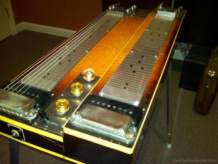 Gibson Console Grande 2421_Gibson02_1