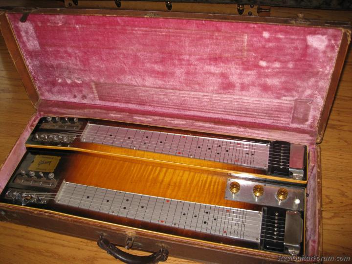 Gibson Console Grande 3180_Gib_in_case_1