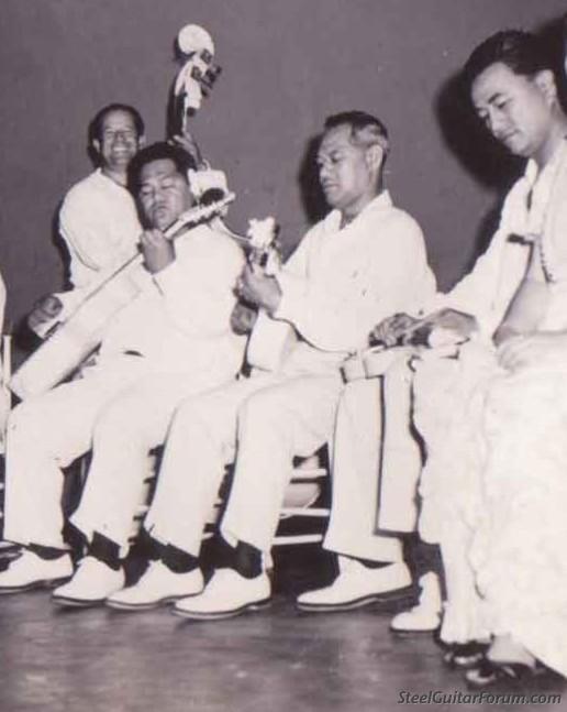 Forums & Zique Hawaiiens 4467_hawaiian_band_1940s_1