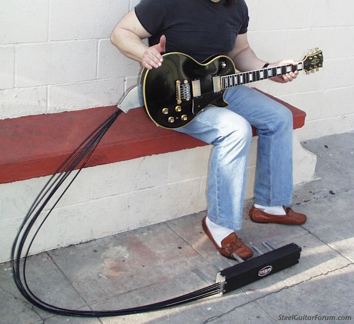 MSA Guitar Pedal & autres 925_GibsonLesPaulwithMSAPedalBoard006_1